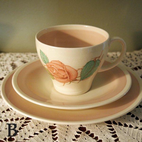 画像1: スージー・クーパー コーヒーカップ トリオ 【ピンク・パトリシアローズ】